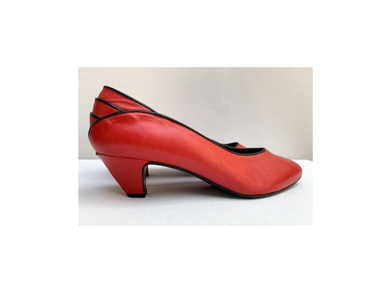 Pierre CARDIN 80s red PUMPS / asymetrical pumps /8