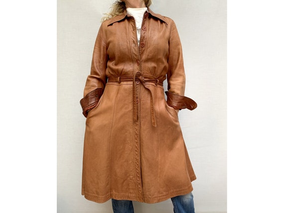 70s brown leather COAT/ belted leather trench coa… - image 4