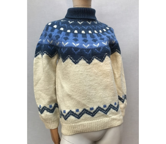 1950s wool beige and blue hand knitted JACQUARD Sw