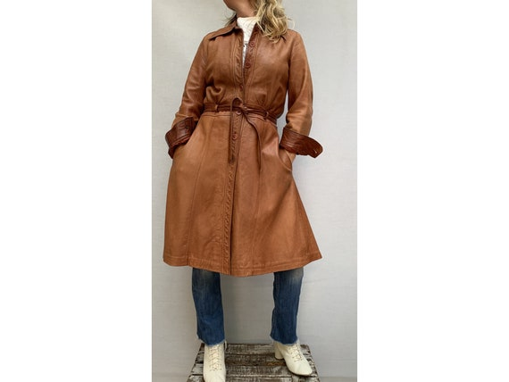 70s brown leather COAT/ belted leather trench coa… - image 2
