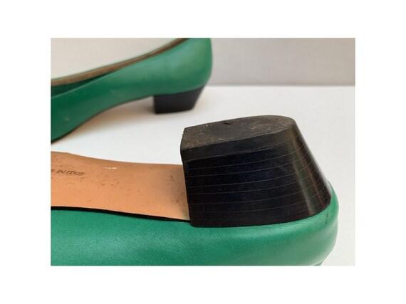 vintage 80s  FERRAGAMO italian PUMPS // green lea… - image 6