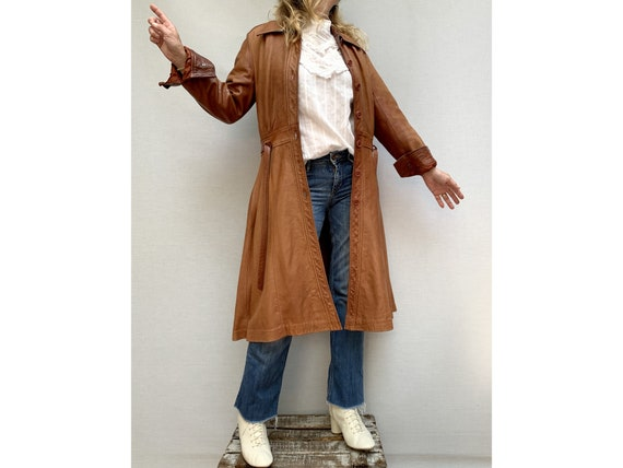 70s brown leather COAT/ belted leather trench coa… - image 3