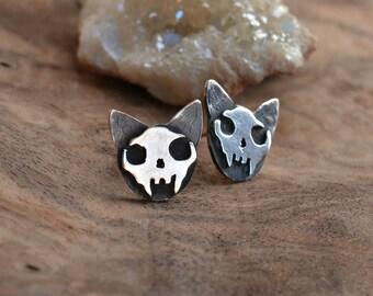 cat earrings stud/cat skull sterling silver earrings/mystic jewelry with skull/witch jewelry/minimal stud earrings
