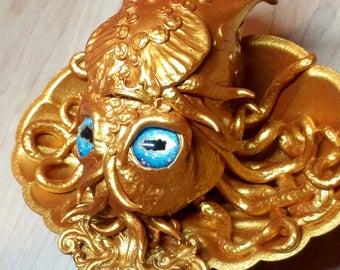 Golden Squid Artifact