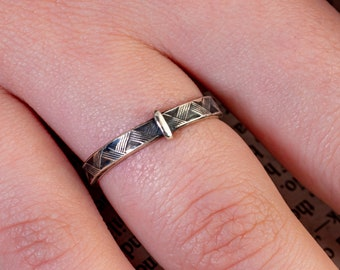 Plaid Outlander Inspired Ring-Blade n Bow Style- Vintage Tartan -925 Sterling Silver Band-Skölland Jewelry