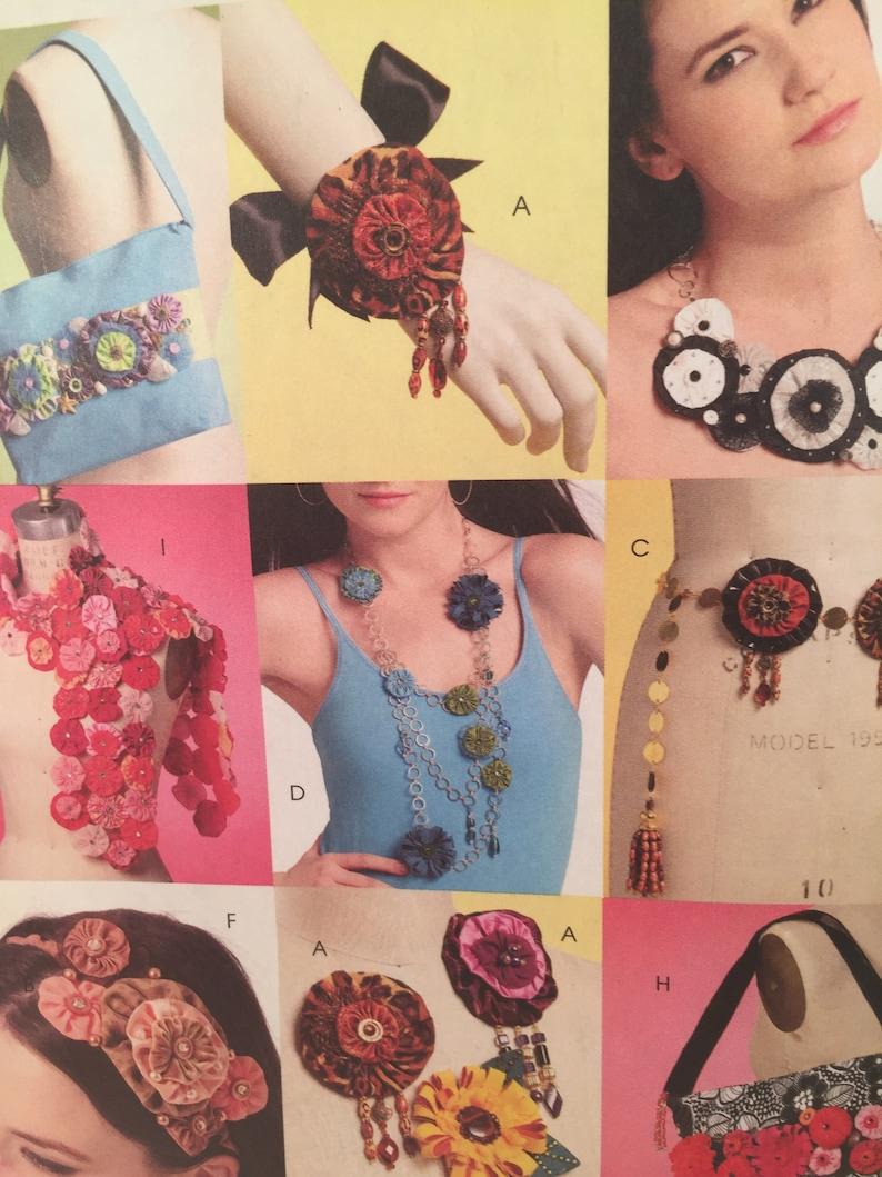 Fashion Accessories Bags McCall/'s 5901 Scarf with Yo-Yo Treatments Yo Yo Fashions Sewing Pattern Brooches Belt Headband Necklaces