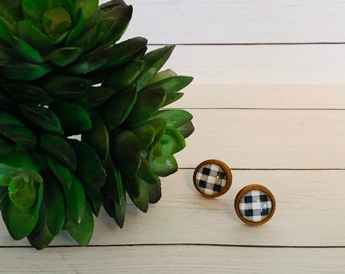 Black and White Buffalo Check Gingham Plaid Wood Base Stud Earrings