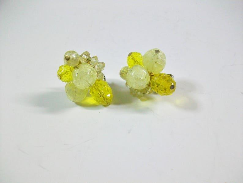 Costume Jewelry Carnegie Cluster Clip On Earrings Cluster Plastic Bead Clip Earrings Vintage Hattie Carnegie Yellow Beaded Clip Earrings