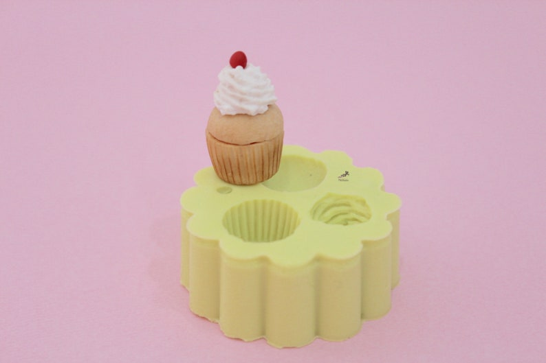 Cupcake Silicone Mold,Molds,Polymer Clay Mold,Silicone Mold For Resin,Dollhouse,Soap,Cake,Cookies,Clay,Candy,Chocolate-Made in Italy ST482