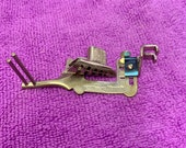 Singer 160359 Low Shank Binder Attachment Foot Vintage Sewing Machine Accessory for Featherweight 221 222K 15 66 99 128 201