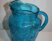 Mid Century Turquoise Blue Daisy Drink Pitcher, Glass Two Quart Pitcher, Vintage Daisy Turquoise Pitcher