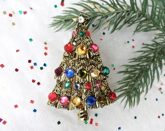 Lot Of 5 AMERICAN GREETINGS CHRISTMAS TREE BROOCH PIN RED RIBBON NEW OLD STOCK A