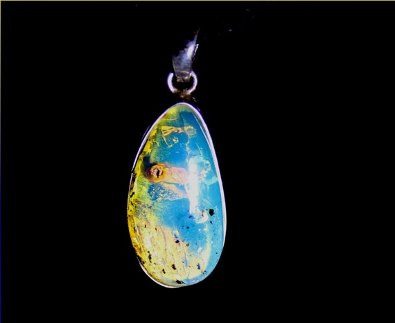 Excellent Dominican Natural Clear Sky Blue Amber .925 Sterling Silver Pendant 1.2inch