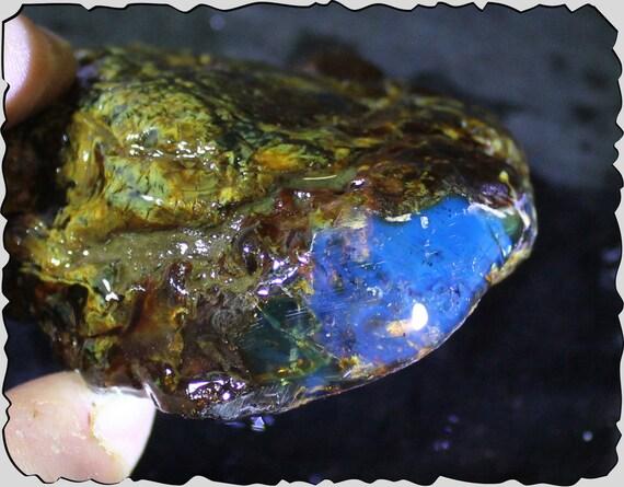 Hugh Natural Clear Sky Blue Green Amber Rough Specimen 90x82x40mm 130grams