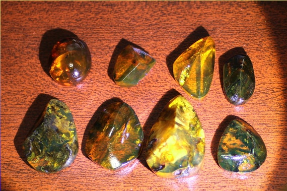 Wholesale liquidation lot, 8 Dominican Clear Red Green Blue Blue Amber polished Stone Cabochon biggest  30mm