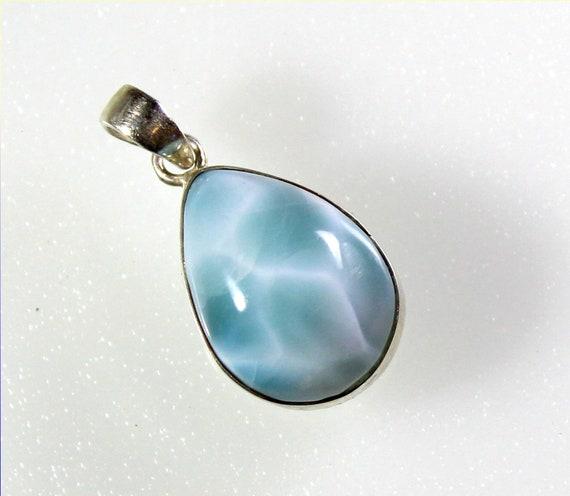 Charming Design Natural Light Blue Larimar .925 Sterling Silver Pendant 28mm