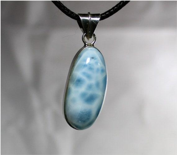 Charming Design Natural Genuine Sky Blue Larimar .925 Sterling Silver Pendant 28mm