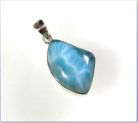 Charming Design Natural Sky Blue AAA++ Larimar .925 Sterling Silver Pendant 1.3inch
