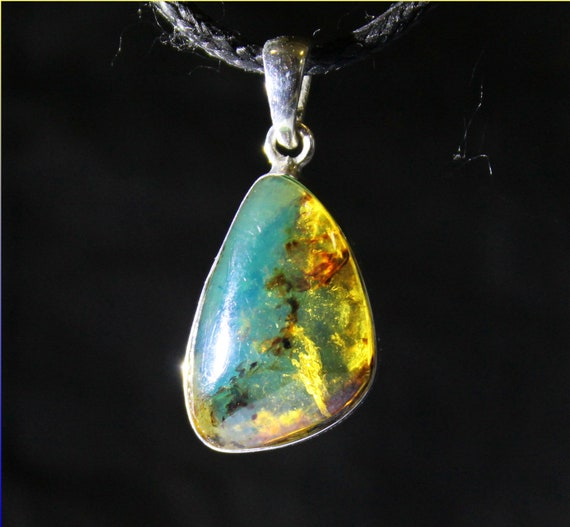 Dominican Natural Clear Sky Blue Amber .925 Sterling Silver Pendant 31mm