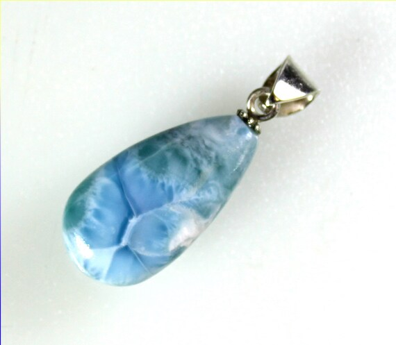 Charming Design Natural Ocean Blue Larimar .925 Sterling Silver Pendant 1.6inch