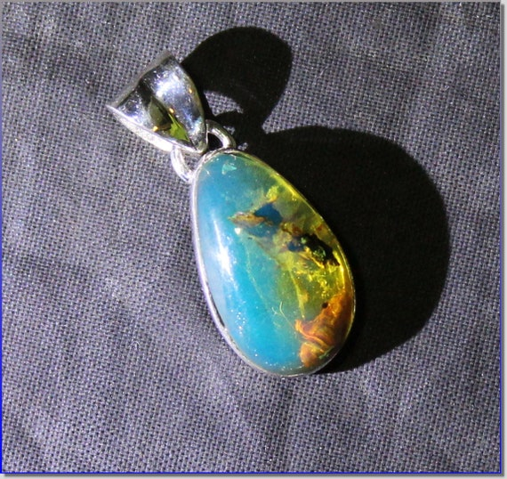 Dominican Natural Clear Sky Blue Amber .925 Sterling Silver Pendant 26mm