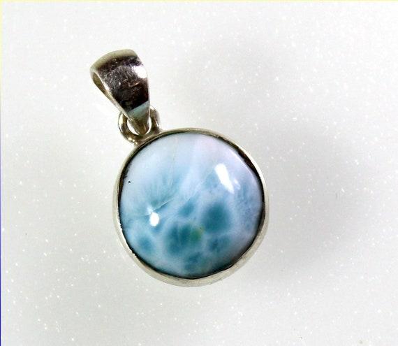 Charming Design Natural Sky Blue Larimar .925 Sterling Silver Pendant 23mm
