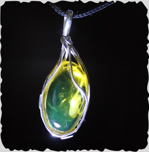 Dominican Natural Clear Green Fossil Insect Bug Amber .925 Sterling Silver Pendant 2.1 inch