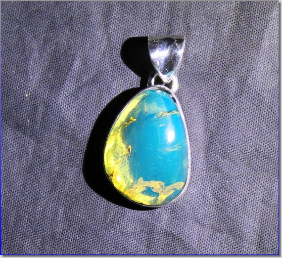 Dominican Natural Clear Sky Blue Amber .925 Sterling Silver Pendant 29mm