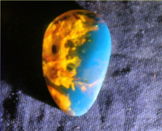 Exquisite Colors Dominican Natural Clear Sky Blue Amber Cabochon 18x12x4mm 0.5g