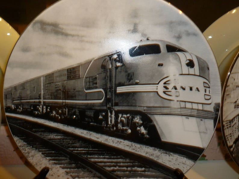 Wonderful Burlington Northern Santa Fe / BNSF Railway Collectable Plates  Lot Of 3