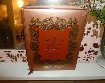 A Fabulous Vintage Mary And Vincent Price Cookbook / A Treasury Of Great Recipes - Copyright 1965 / First Printing / Ampersand Press Inc.