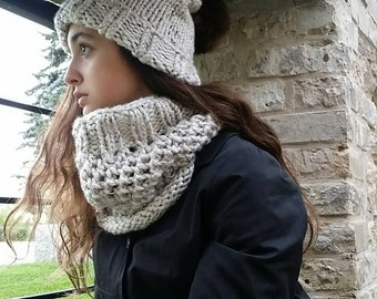 Knit Chunky Cowl, Honeycomb Cowl, Chunky Knitted Cowl Scarf, WINNIPEGTEAM - The Manchester Cowl