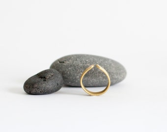 Brass ring in soft drop shape, stylish in its simplicity, flat large band (see the other pictures!)