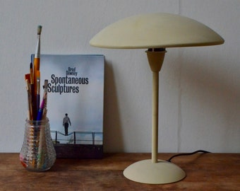 lampe de table de bureau italienne moderniste blanche forme champignon vintage classique minimaliste table lamp italian design seventies - Lampadaire Design Italien