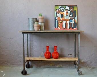Establishment serving bench workshop furniture of industrial trade