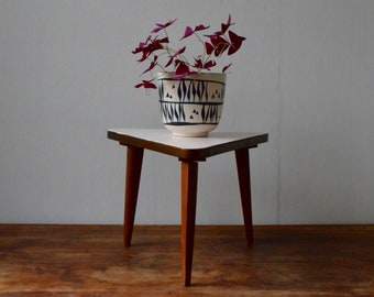 Pedestal tripod base compass vintage 50s white pop table wears plants french deco coffee table plant stand side table