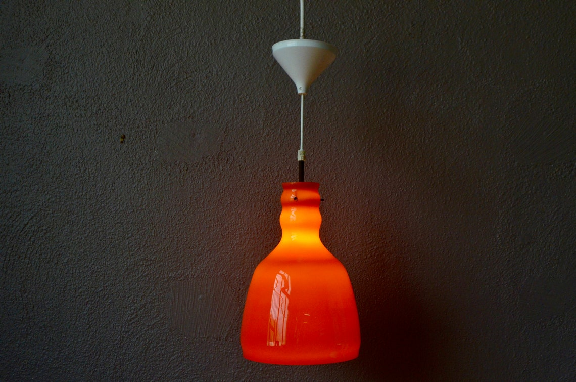 Light suspension vintage glass opalin orange. Style space Age - Eclairage