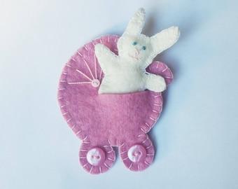Bunny in pram felt ornament, little rabbit with pram felt ornament, baby shower gift, Nursery decoration, kid's room decor