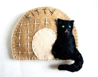 Cat house Ornament felt, Personalized - Kitty Pussycat basket  - Birthday gift - Handmade  - Housewarming home decoration