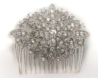 Crystal rhinestone hair comb, diamond shape, Art Deco style, perfect to add at the back of a veil or to a birdcage veil