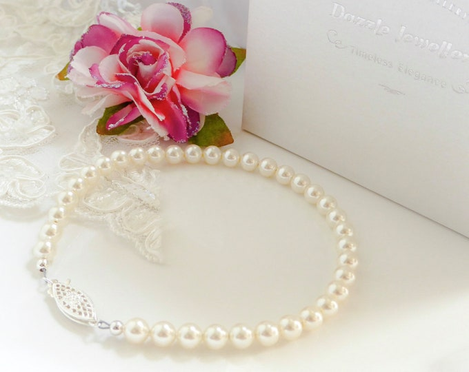 Pearl bracelet, 25 colours, swarovski Pearl, 925 silver, filigree clasp, wedding, cream, , brides mother, Made to your colour
