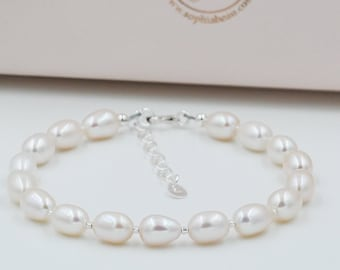 real pearl and sterling silver Bracelet, Freshwater Pearls, perfect romantic and classic.