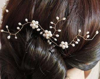Bridal hair pin, hair leaf vine piece, gold or silver, pearl, baby's breath, wedding accessory, bride hair pin, bride pearl hair accessory