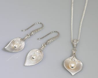 Calla lily bridal pendant set, freshwater pearl drop,  sterling silver chain, Pearl drop and Swarovski crystal