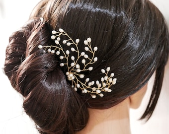 Versatile pearl bridal hair pin, gold or silver wire, with optional crystals in a leaf bud style, babies breath.