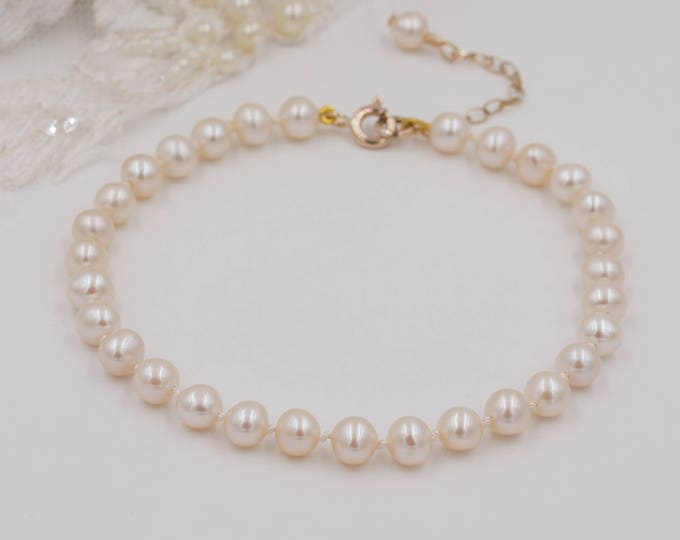 Knotted Pearl bracelet, freshwater pearl, silk strand, real Pearl, 9ct gold, Sterling Silver, bride, vintage, mother  bride