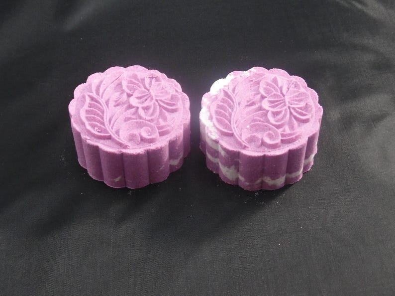 Bath Bomb EpsomSaltMoon Cake Lilac Aromatherapy Spa Foaming