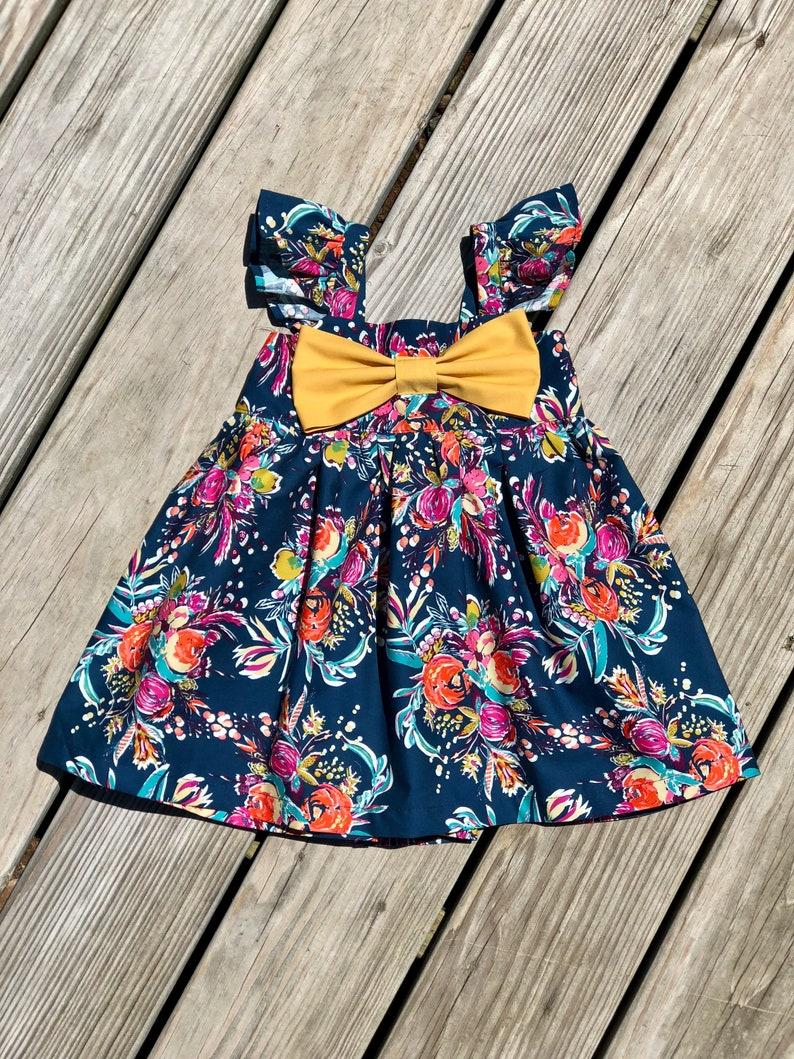 99216afa6ffa3 Robe à fleurs manches moelleux robe bleu marine floral gros