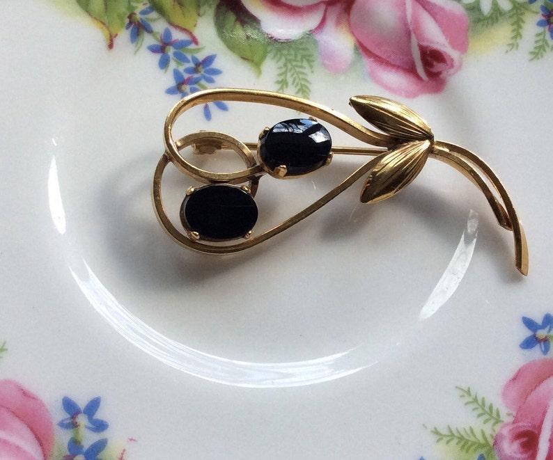 14K Gold Filled Vintage WELLS Onyx Black Floral Brooch