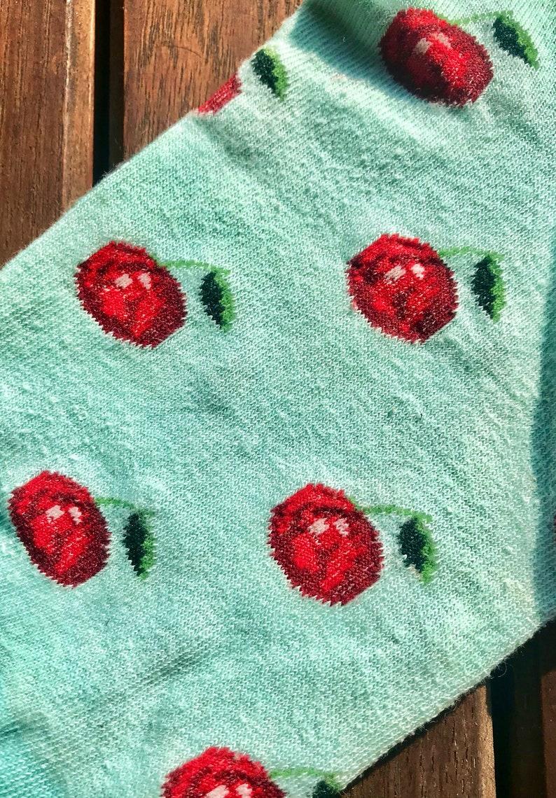 Socks never used Size M 3940 pattern of cherries light green color new short socks US 67